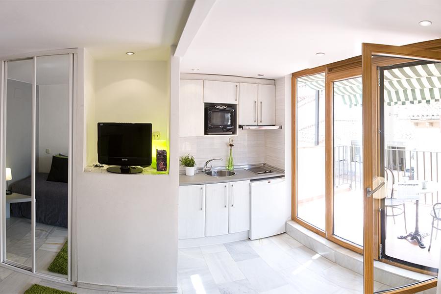 Estudio 5 apartamentos puerta del sol madrid for Puerta del sol apartamentos